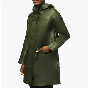 Lululemon Into the Drizzle Jacket - green